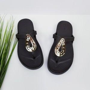 Crocs 'Sanrah' Sandals Sz 8  EUC
